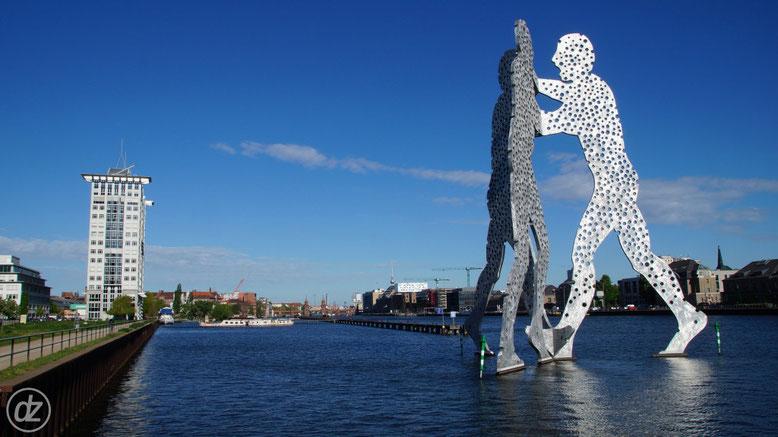 30 Meter hoch ist der Molecule Man | Foto: © Detlef Zabel