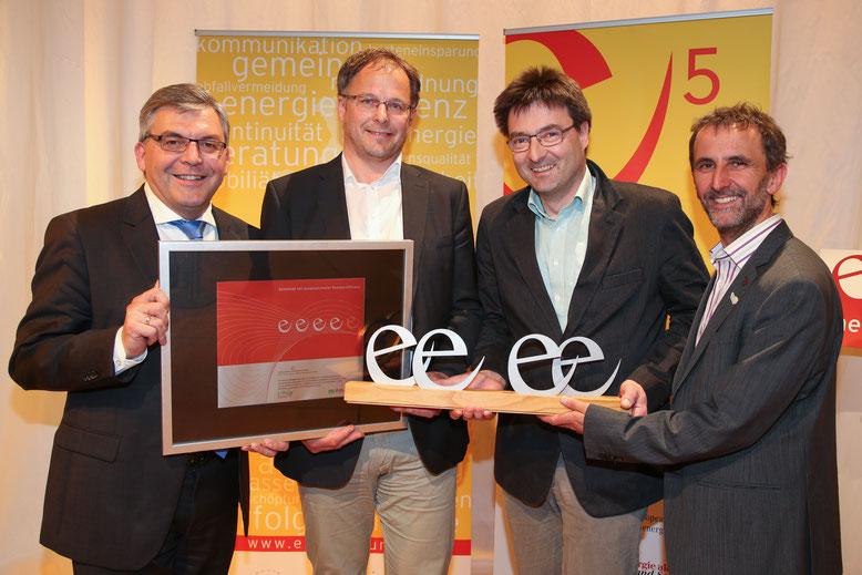 26. April 2016: Energie Gala mit e5-Auszeichnung, v.l.n.r LR Dr. Sepp Schwaiger, Vbgm. Sepp Fernsebner, Bgm. Sepp Hohenwarter und DI Helmut Strasser, Foto: LMZNeumayrSB