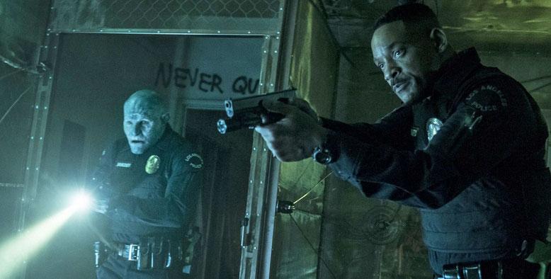 Will Smith und sein Ork-Polizei-Kollege müssen in Bright einem mysteriösen Fall auf die Spur gehen. Bilderquelle: Netflix
