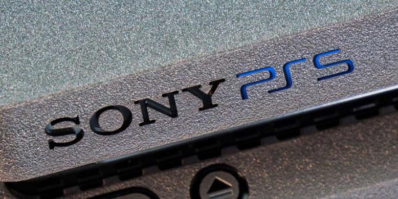 Der Release der PS5 von Sony und der nächsten Konsolengeneration von Microsoft in Form der neuen Xbox wird laut Ubisoft noch mindestens zwei Jahre auf sich warten lassen.