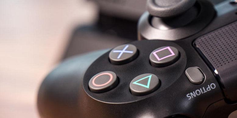 Die PlayStation 5 wird als stationäre Spielekonsole entwickelt. Sony nimmt Abstand von einer PS5 als Handheld-Version.