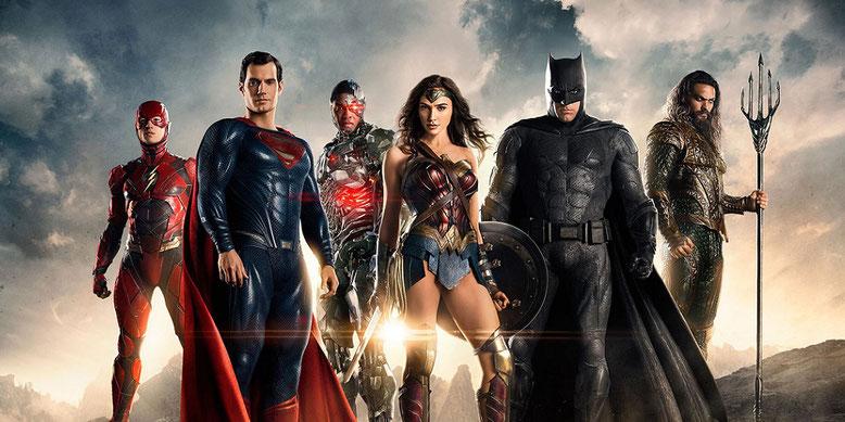 Helden der Gerechtigkeit: Die Justice League stellt sich im finalen Kino-Trailer spektakulär in Szene. Bild: Warner Bros. Pictures