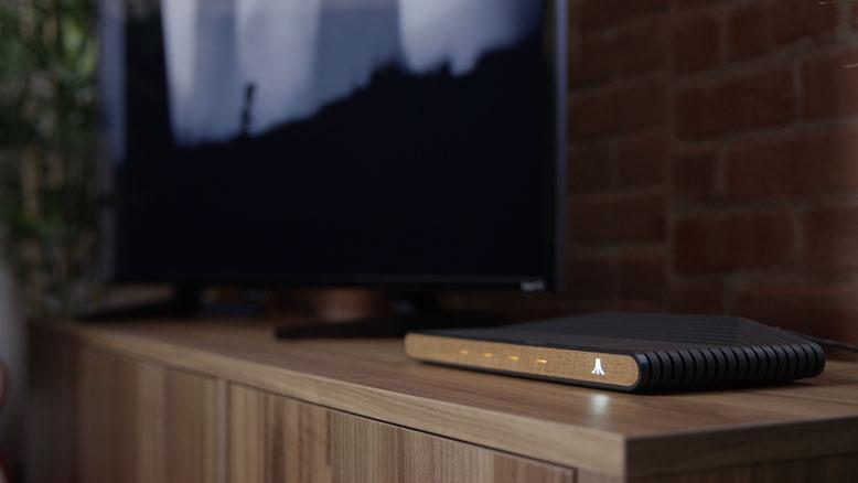 Die Ataribox heißt jetzt Atari VCS: Auf der GDC 2018 haben die Verantwortlichen von Atari den offiziellen Namen ihrer kommenden Spielekonsole enthüllt. Bilderquelle: Atari