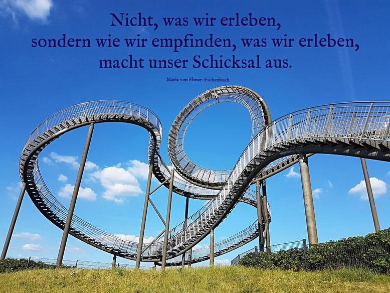 Tiger and Turtle, das Auf und Ab des Lebens. Magic Mountain, Landmarke auf der Heinrich-Hildebrand-Höhe, Angerpark Duisburg.