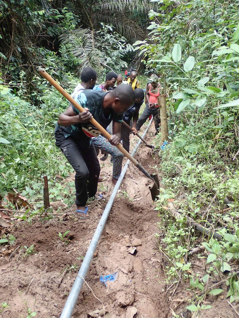 Die Wasserleitung wird verlegt