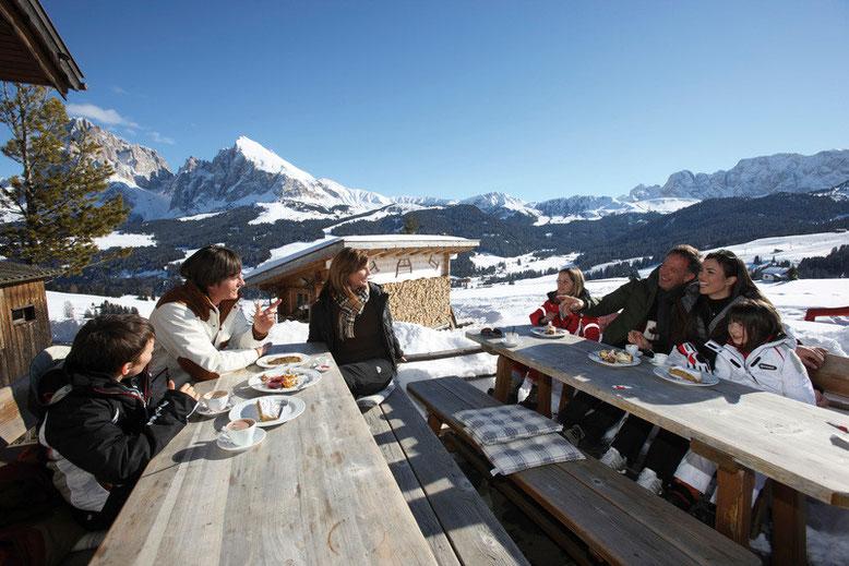Skiurlaub mit Freunden am Reschenpass in Südtirol