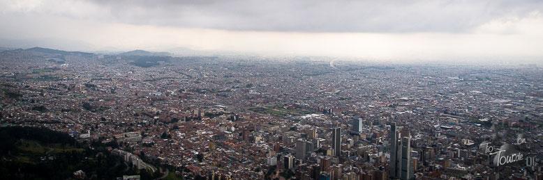 Bogotá - Blick vom Hausberg, dem Montserate, auf die Millionenstadt