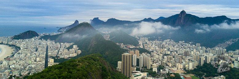 Blick vom Zuckerhut - mit Praia Copacabana und Corcovado