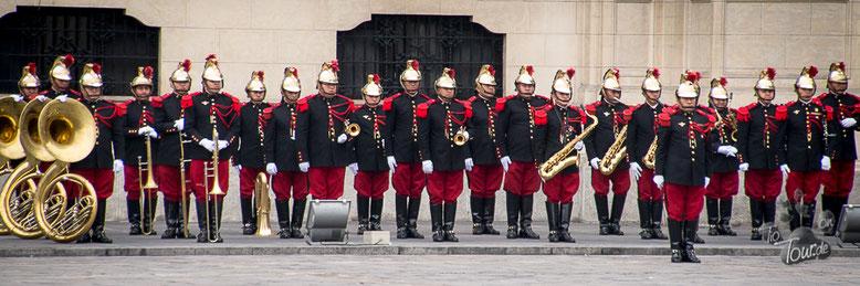 Lima - Cambio de Guardia / Wachwechsel am Präsidentenpalast