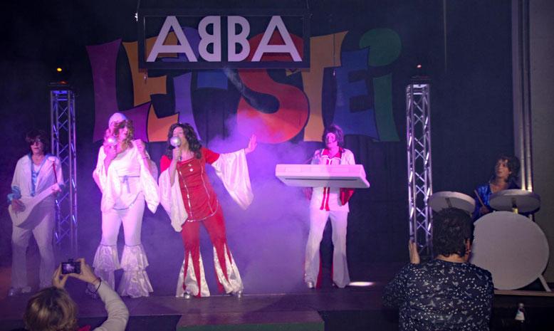 """die besten Hits von """"ABBA"""" bringen musikalischen Schwung mit sich"""