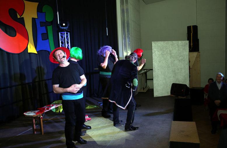 """das """"Quartett fatal"""" riss das Publikum mit ihren Gesangsdarbietungen von den Sitzen"""