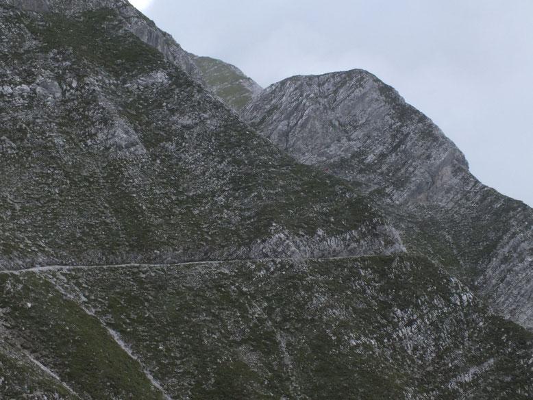 Steinig, aber doch immer zielführend (Bild: Karwendel 2015)