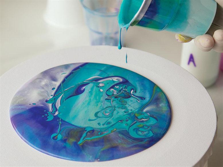 Cr er des tableaux a la technique coulage acrylique peinture acrylique fluide site de art - Comment faire de la peinture acrylique fluide ...