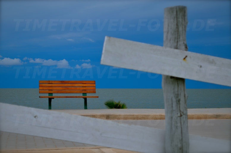 Bench by the Lake. Photo: Esther Knipschild