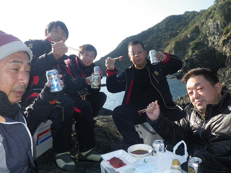 武ちゃん持参の馬刺し!!