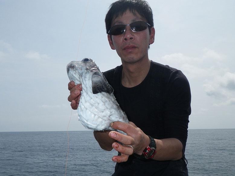 【T-K】司Pの底物仕掛けにハリセンボンの様な魚(^o^)