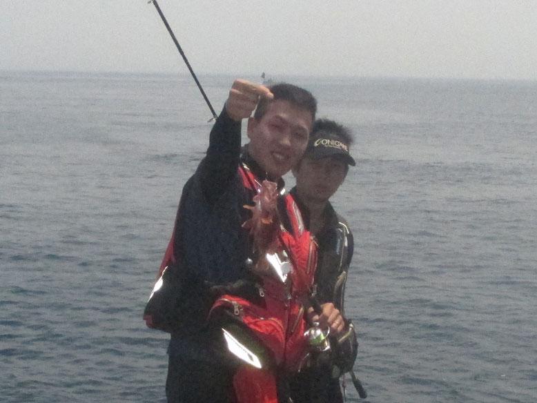 門ちゃんとカズヤはホゴ釣り開始