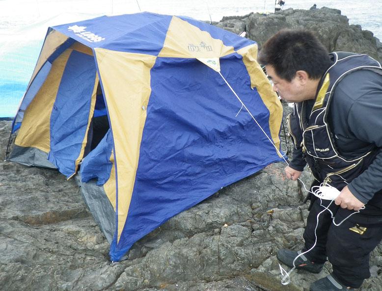 雨が一晩中降りそうなんでテントも設営。