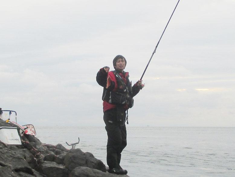 門ちゃんもガチャってベラ…。なんともガチャ釣りらしい魚(^_^;)
