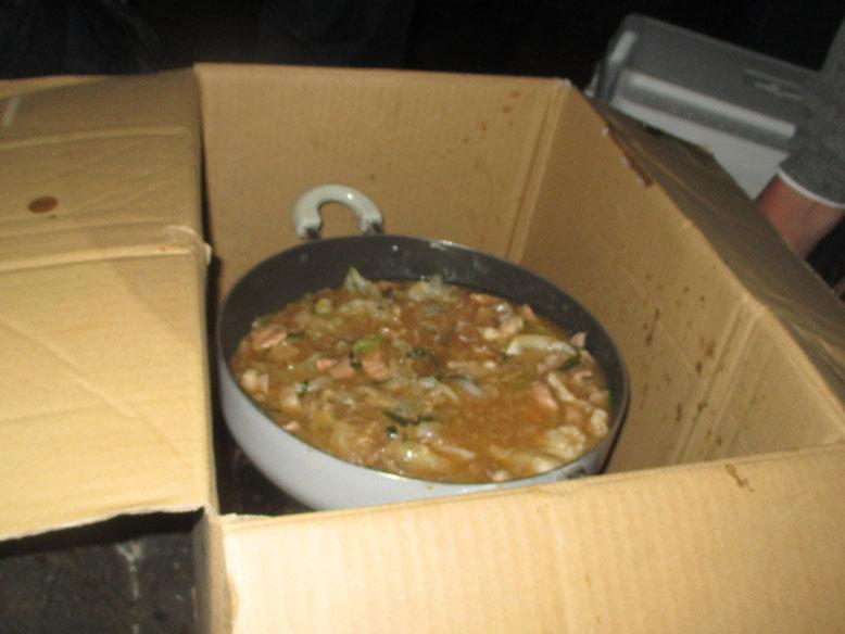 今日は忍ちゃん特製の油ギッシュなモツ鍋です\(^o^)/