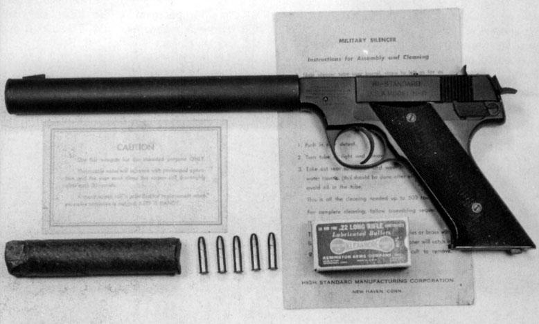 Typische Agentenwaffe: Selbstladepistole Kaliber .22 mit Schalldämpfer