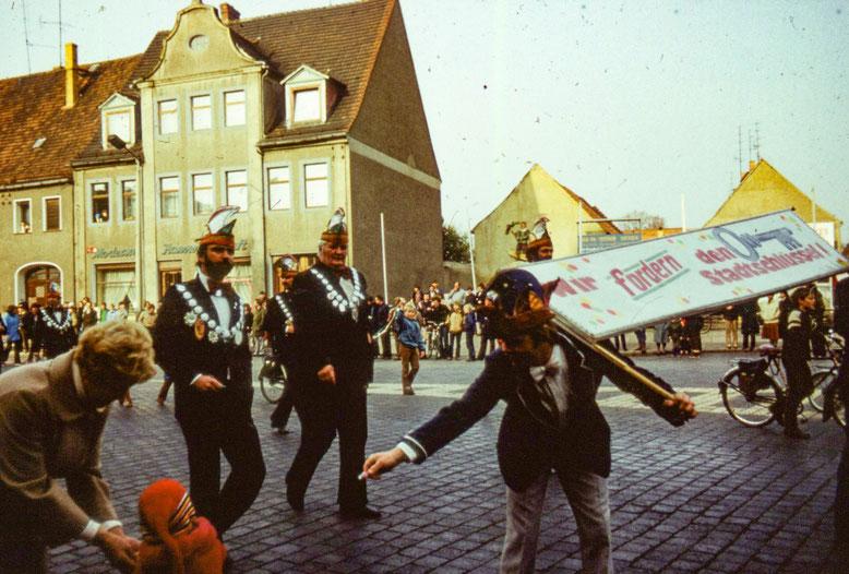 Karnevalsumzug auf dem Markt in Herzberg mit Wolfgang Otto