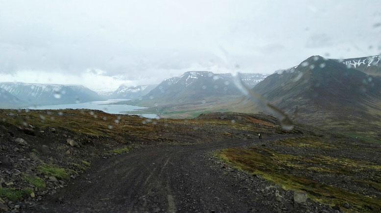 Fahrt über Westfjorde Islands, Schotterpiste Sandafell