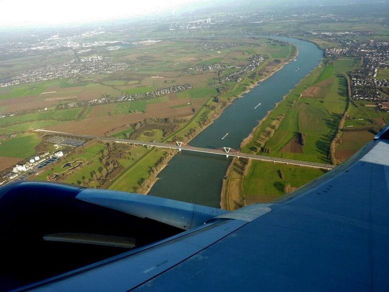 Rhein bei Düsseldorf