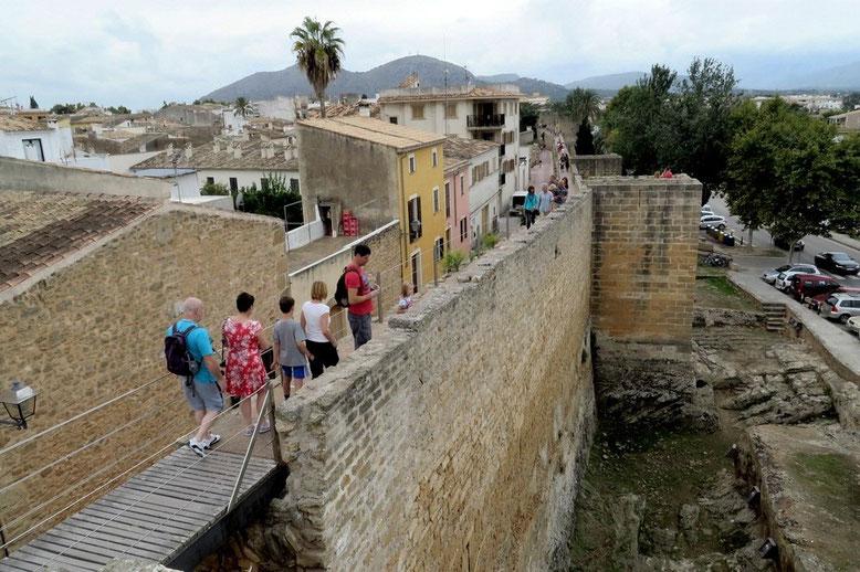 Alcudia - Stadtmauer, Mallorca