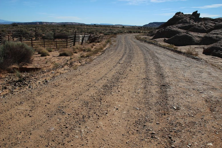Moqui Marbles - Moki Hill, Anfahrt