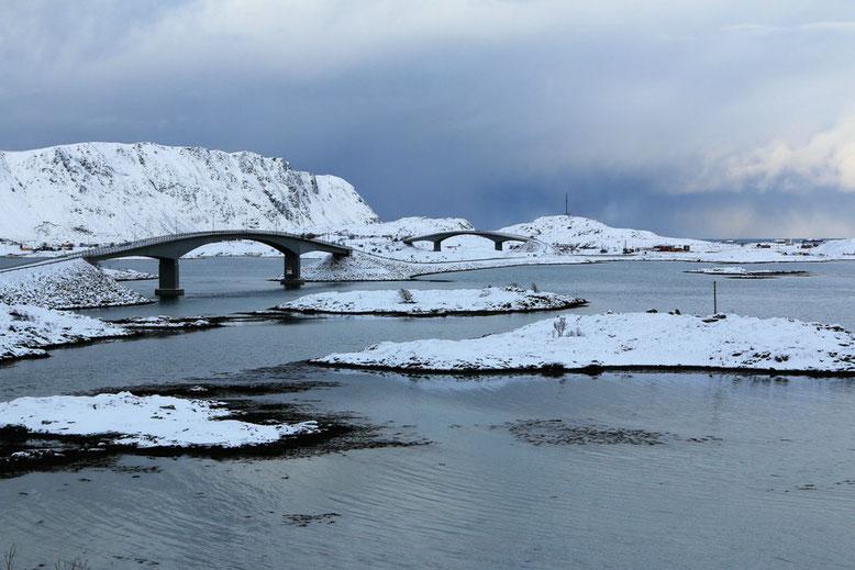 Über die Brücken zum Ytresand