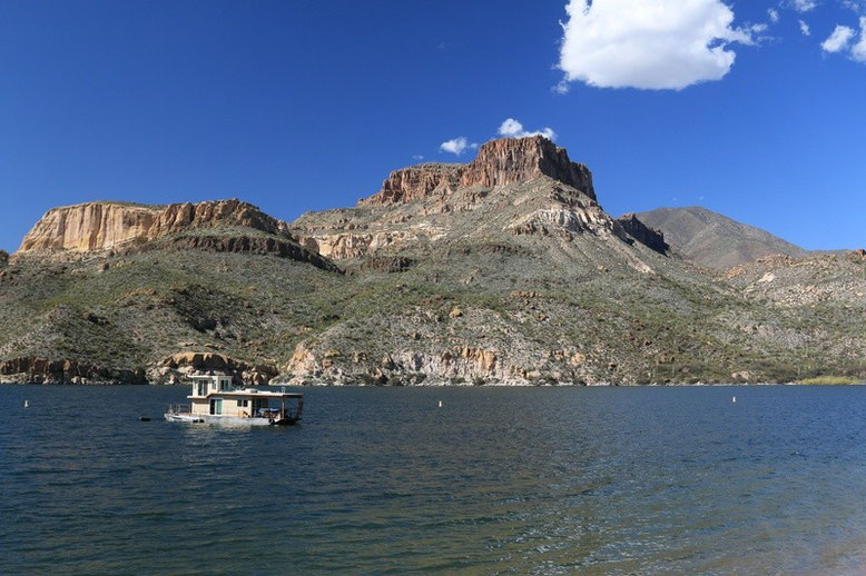 Apache Trail, Apache lake