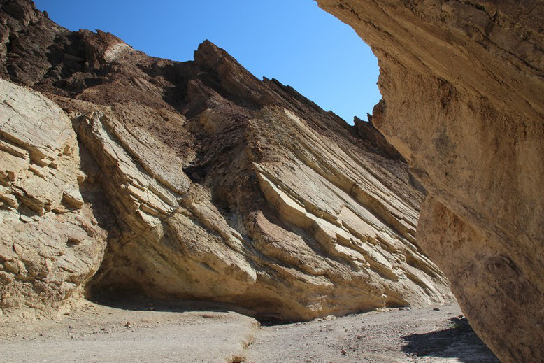 Death Valley, Golden Canyon Trail