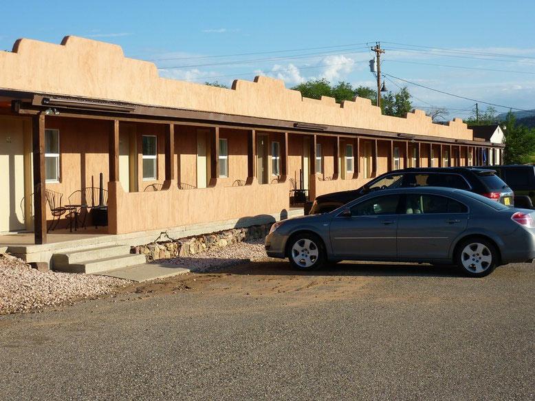 Motel Circle D