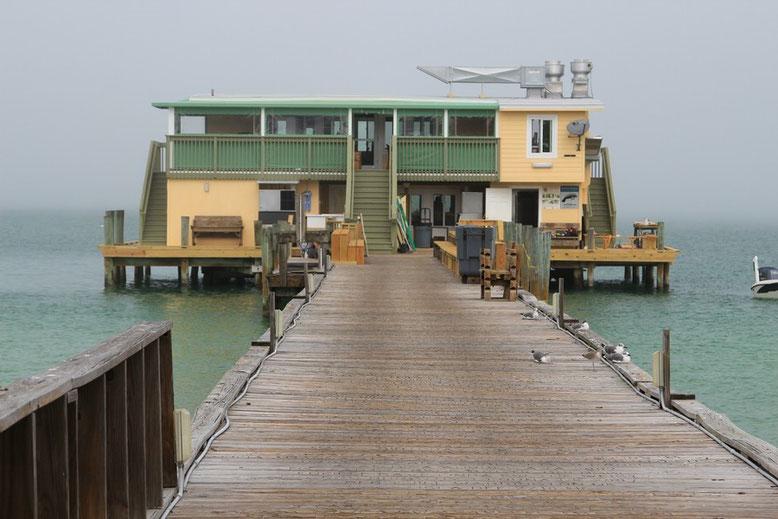 Renovierungsarbeiten am Rod Reel Pier