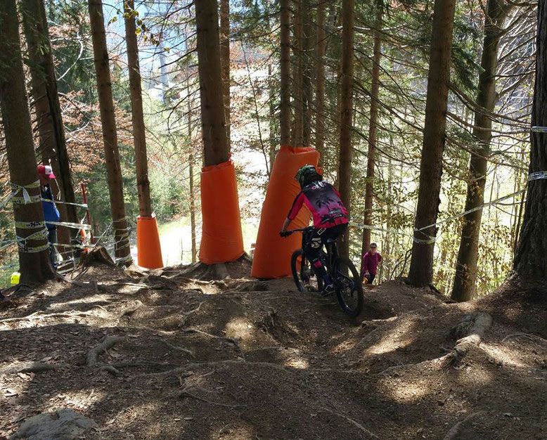 Géraldine Fink von Pink Gravity dem TRAIL-QUEEN Team in Kranskja Gora am ‪IXS European Cup