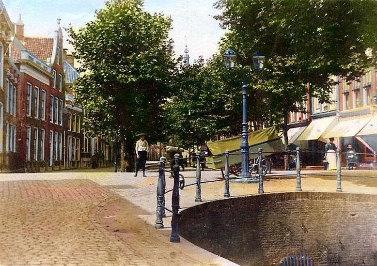 De overgang van de Kleine Voorstraat naar de Voorstraat