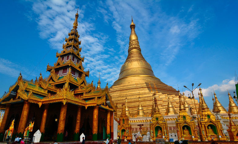 Top 10 Places You Should not Miss in Myanmar - Shwedagon Pagoda