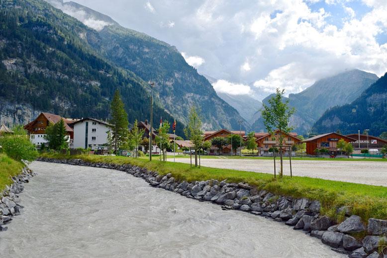 Hiking at Oeschinen Lake - Kandersteg