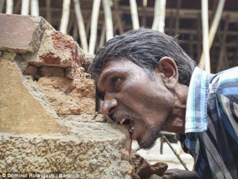 L'uomo che mangia i mattoni