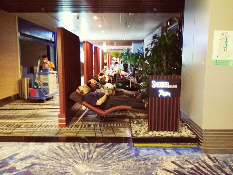 Aeroporto di Singapore: 6 cose da fare Gratis. Snooze Lounge
