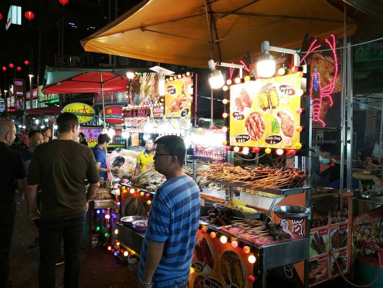 Kuala Lumpur cosa vedere in 3 giorni. Mangiare a Jalan Alor
