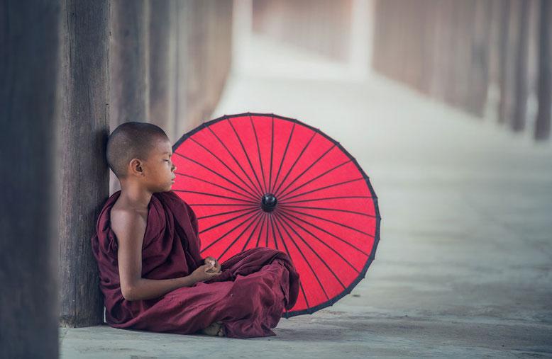 Viaggio di gruppo in Birmania - Giovane monaco