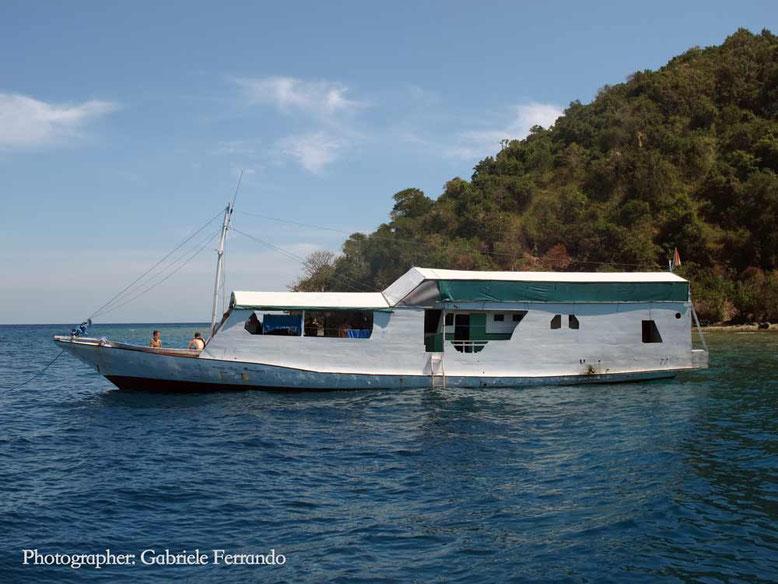 La barca della Kencana Tour che fa la rotta Lombok - Komodo
