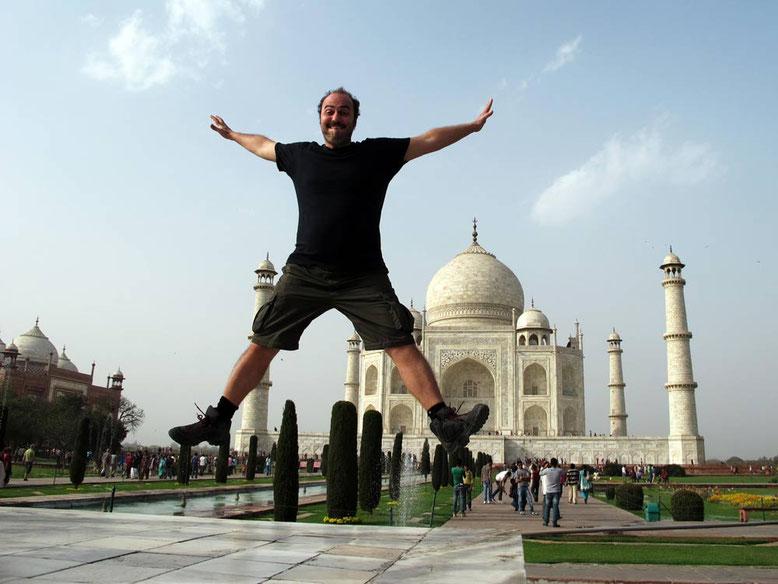 Agra. Taj Mahal jump
