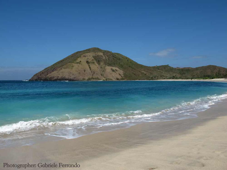 La spiaggia di Mawun Beach a Kuta Lombok - Indonesia (photo by Gabriele Ferrando)