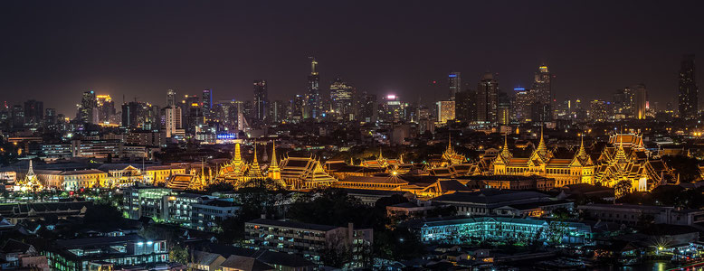 Il Royal Palace di Bangkok di notte