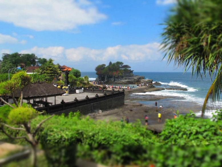 Viaggio di gruppo a Bali. Tempio del Tanah Lot.