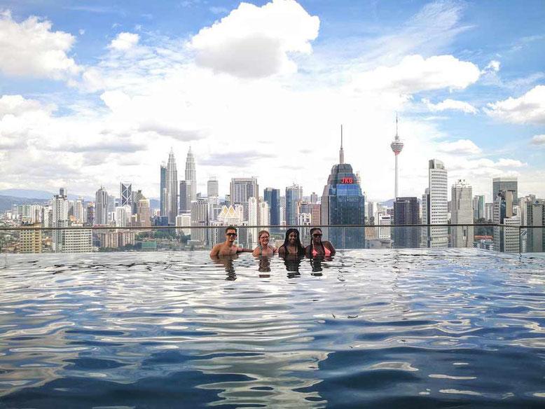 I migliori ostelli di kuala lumpur la mia asia - Rooftop swimming pool kuala lumpur ...