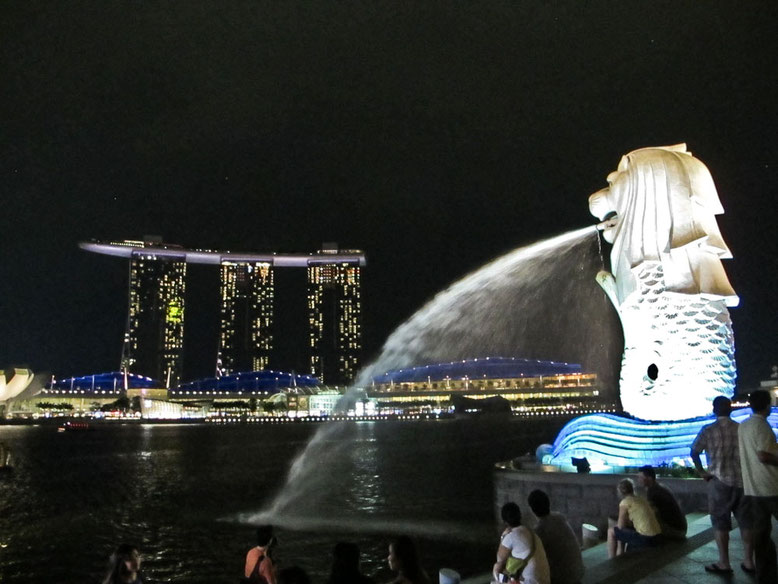 Singapore - Merlion by night